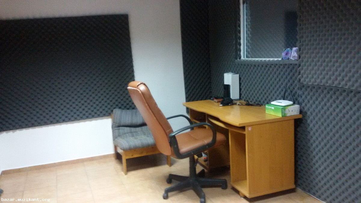 Давам под наем помещение за студио в Пловдив (обезшумено, с кабина) (Пловдив)